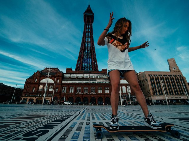 Dianna Garri, Russian travel blogger who stayed at the Somwhere Different digital nomad hotel in Blackpool