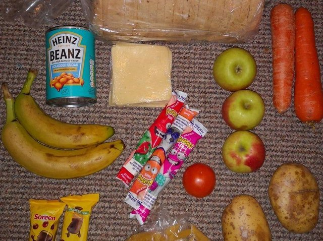 An image of free school meals provided by Twitter user Roadside Mum sparked controversy in national news this week.