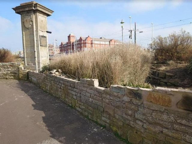 Damage to the wall in Jubilee Gardens