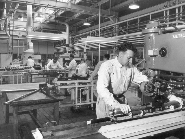 Magnox fuel production in the 1950s
