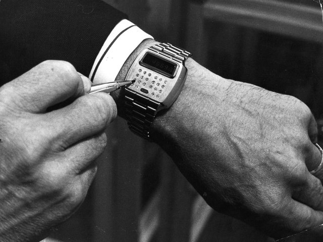 I long ago gave up on expensive wristwatches, after a couple got damaged accidentally.