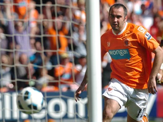 Gary Taylor-Fletcher scores Blackpool's goal against Arsenal