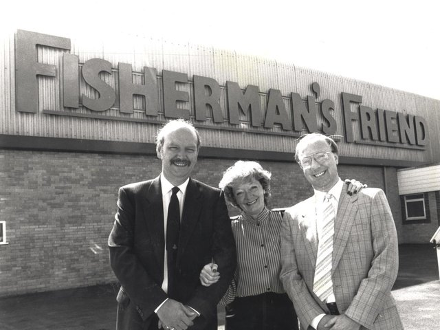 Doreen Lofthouse with husband Tony Lofthouse (Left) and son Duncan Lofthouse outside the Fleetwood base in 1990