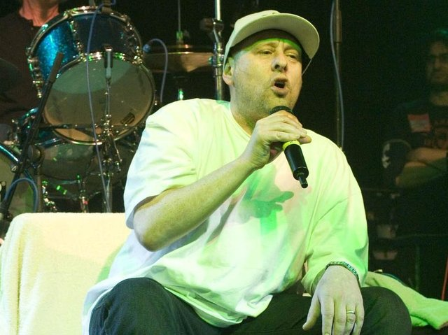 Happy Mondays at 53 Degrees in 2007