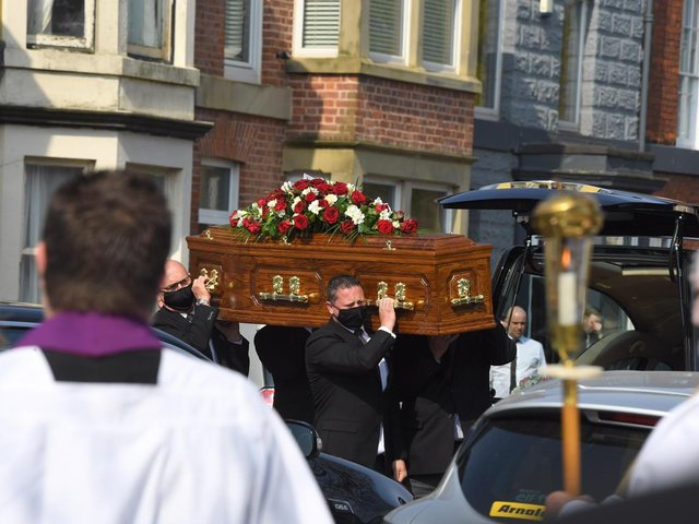The hearse made its way to St Peter's Church for Doreen Lofthouse's funeral at 11am