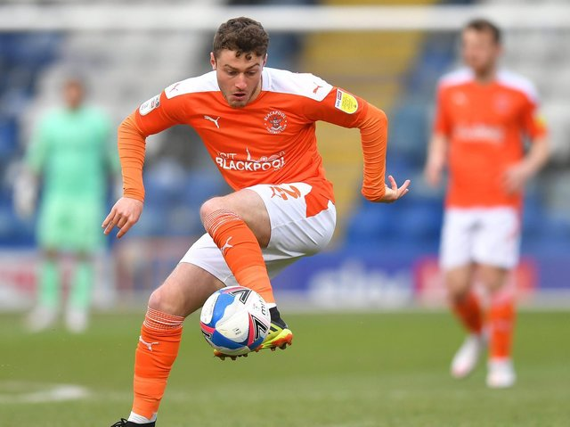 Blackpool's Sunderland loanee Elliot Embleton will stay with the Seasiders for the play-offs