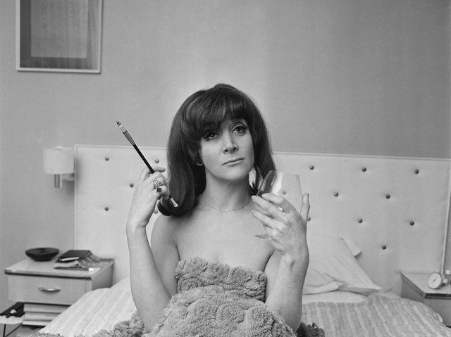 British actress Sheila Steafel, 1968. (Photo by Potter/Daily Express/Getty Images)