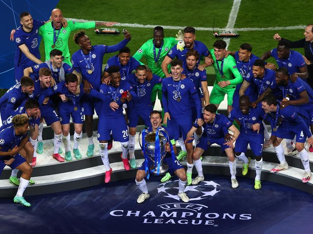 Cesar Azpilicueta the captain of Chelsea lifts the Champions League Trophy following their team's victory during the UEFA Champions League Final between Manchester City and Chelsea FC at Estadio do Dragao on May 29, 2021 in Porto, Portugal.