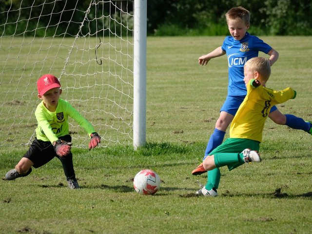 The U7s of St Annes Yellows and Kirkham Junior Fire met at the weekend
