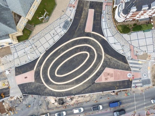 Drone pictures of the newly-opened roundabout show three rings in the middle of a junction
