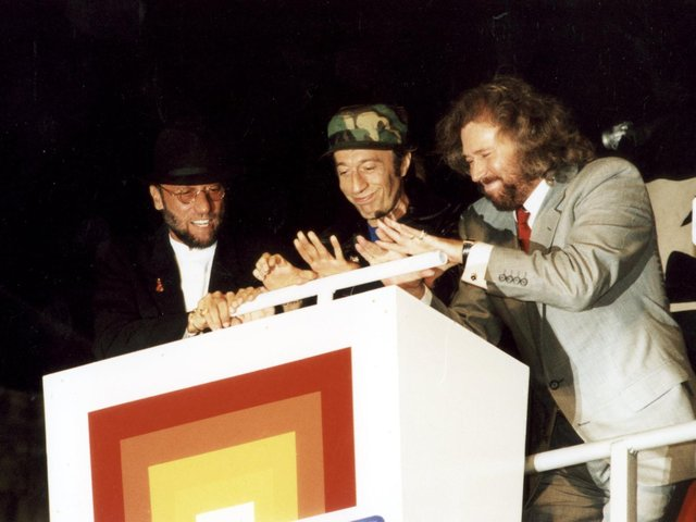 The Bee Gees switch on Blackpool Illuminations in 1995